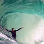 Elképesztő szörfös videó