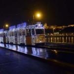 Útjára indult a karácsonyi fényvillamos Budapesten