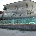 Akváriumkerítést építtetett egy török üzletember