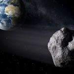 Fél kilométeres aszteroida repül el mellettünk
