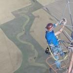 Villanykörte csere 460 méter magasan [videó]