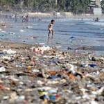 Többmillió tonna műanyagszemét kerül évente az óceánokba