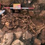 Egy ölelkező pár közel 6000 éves sírját tárták fel egy görögországi barlangban