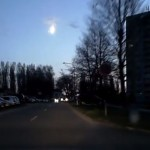 Fényes tűzgömb az égen – videó a Miskolc felett megsemmisült meteoritról