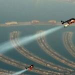 Elképesztő videó – rakétaemberek száguldása Dubai felett