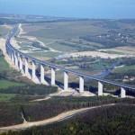 Látványos drónfelvétel készült a Kőröshegyi völgyhídról, Magyarország leghosszabb hídjáról