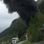 Felrobbant egy benzint szállító tartálykocsi egy norvégiai tenger alatti alagútban