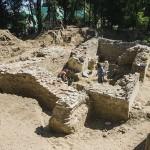 Árpád-kori templom feltárásán dolgoznak a régészek Lakiteleken