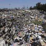 Libanon egészségügyi katasztrófa szélén áll az utcákon álló több ezer tonna szemét miatt