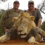 Újra munkába áll a fogorvos, aki megölte Zimbabwe híres oroszlánját, Cecilt