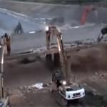 Így bontanak le egy hidat egy éjszaka leforgása alatt [time-lapse videó]
