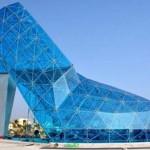 Magassarkú cipőt formáló üvegtemplomot építettek Tajvanon