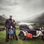Motorral utazta be Európát egy kalandvágyó család