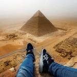 Lenyűgöző felvételeket készített a gízai nagy piramisra felmászó turista