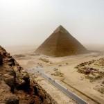 Életre szóló kitiltást kapott Egyiptomból az a német férfi aki felmászott a gízai nagy piramisra