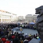 Több ezren tüntettek az állatkínzás ellen Budapesten