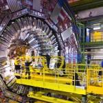 Egy 360 fokos videónak köszönhetően körbenézhetünk a Nagy Hadronütköztetőben