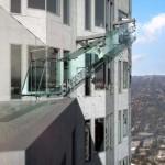 Üvegcsúszda nyílik egy Los Angeles-i felhőkarcoló tetején