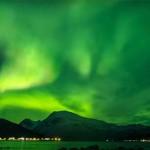 Így tündökölt az északi fény Norvégia egén – varázslatos time-lapse videó