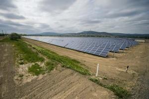 Átadták a tíz megawatt kapacitású pécsi naperőművet