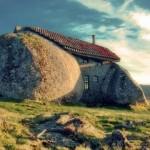Photo: Casa do Penedo - a mesébe illő portugál kőház