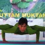 Világrekordot döntött egy nepáli jógaoktató