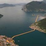 Photo: Elözönlötték a látogatók az Olaszországban felépített különleges pontonhidat