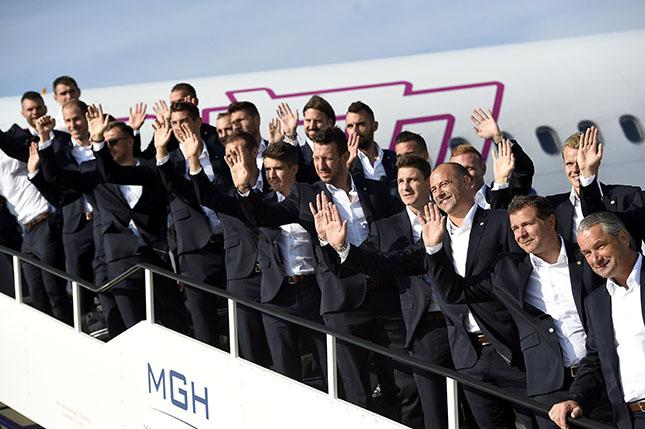 EURO-2016 - Hazaérkezett a magyar válogatott