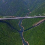 Látványos légifelvétel a világ legmagasabb hídjáról