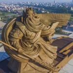 Gigantikus szobrot emeltek a legendás kínai hadvezér tiszteletére