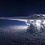 Viharfelhők a magasban – lélegzetelállító képeket készített a pilóta