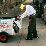 Összefogtak az internetezők, hogy nyugdíjba mehessen a 89 éves fagyiárus