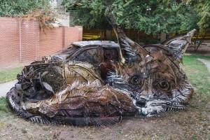 Szemétből alkotás – lenyűgöző állatszobrokat készít a portugál művész