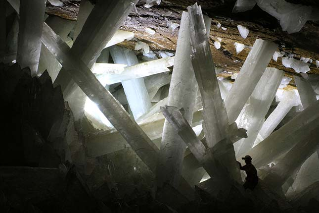 kristalybarlang