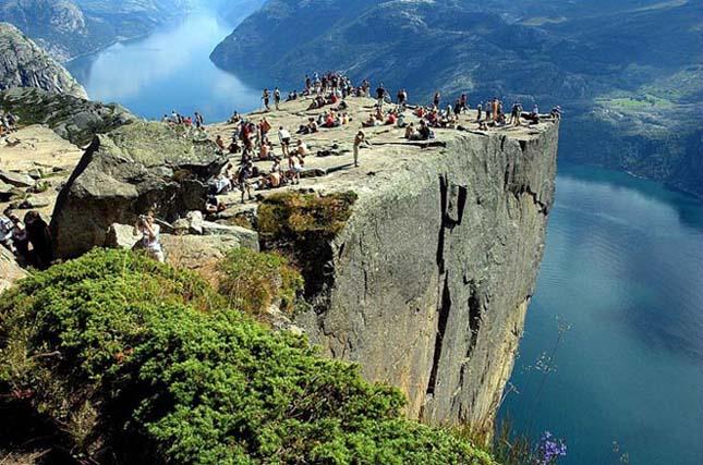 Preikestolen (Szószék szikla), Norvégia