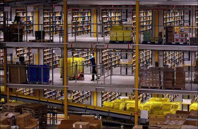 Amazon internetes könyváruház raktára
