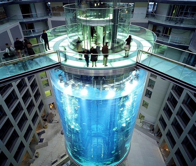 AquaDom, Sea Life Center, Berlin