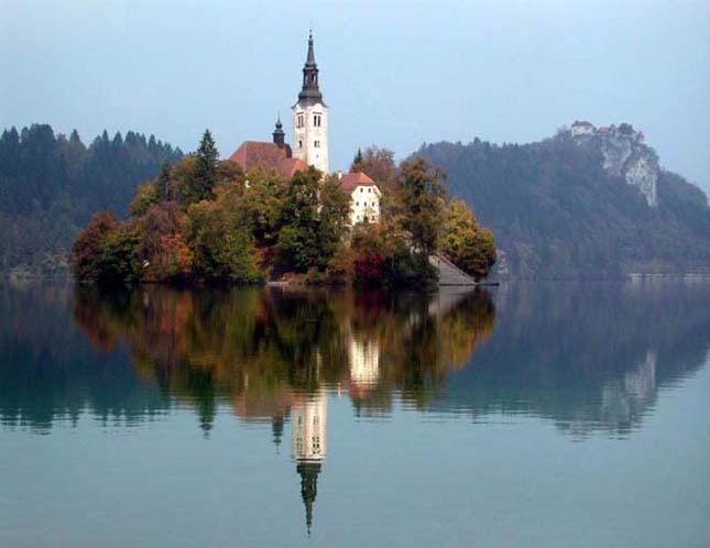 Templom a Bledi-tó közepén, Mária mennybemenetele templom