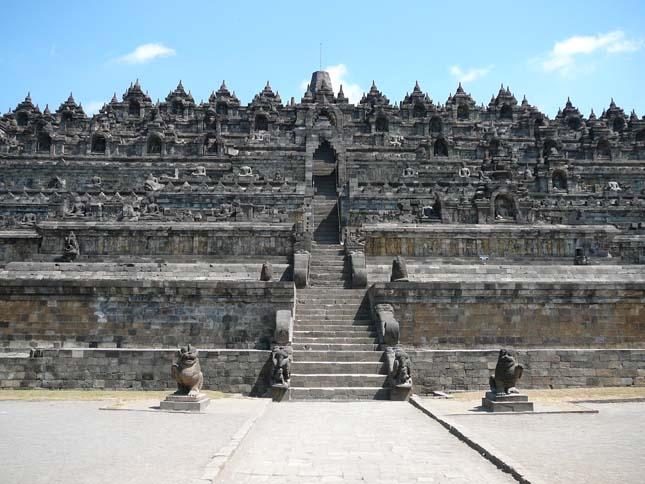 Borobudur buddhista templomegyüttes, Indonézia