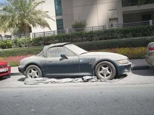 Elhagyott autók Dubaiban