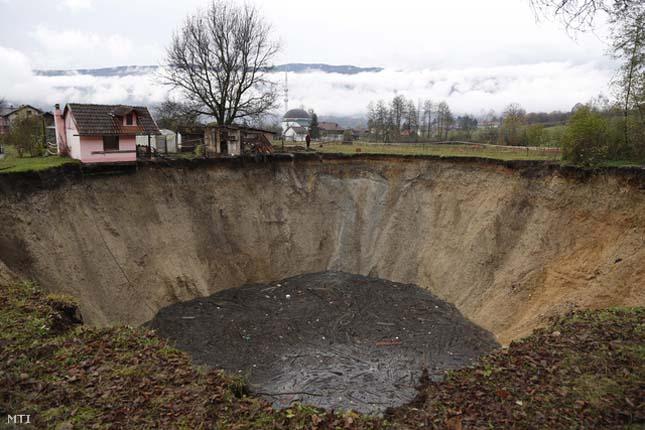 Eltűnt egy boszniai tó