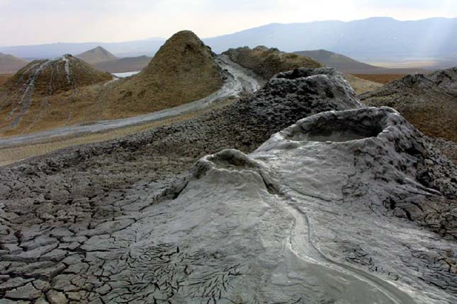 Gobusztán ősi sziklarajzai