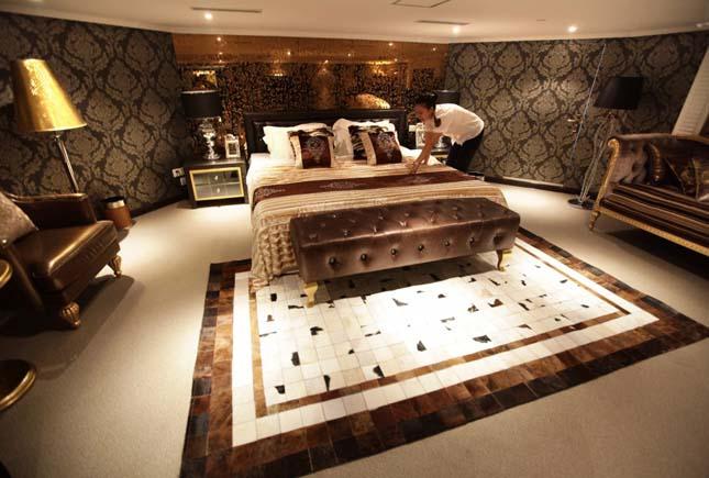 Hadihajóból luxushotel