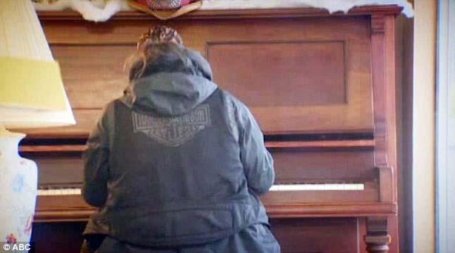 Hajléktalan zongorista