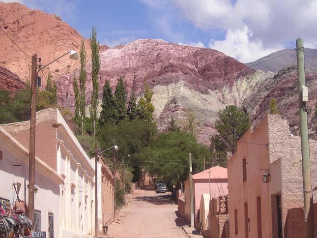 Hétszínű-hegy, Argentína