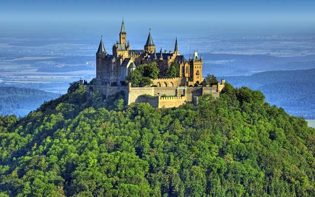 Hohenzollern-kastély