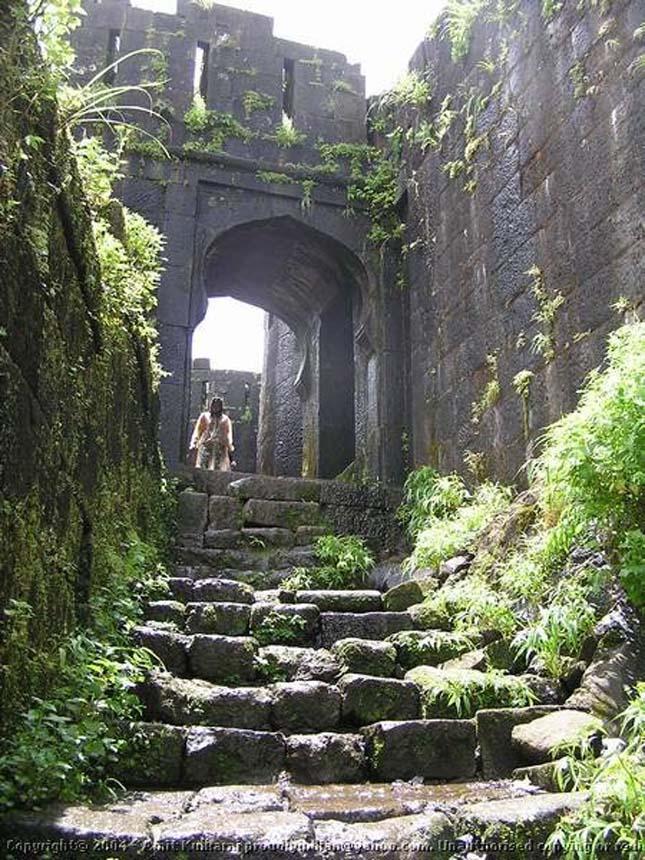 Iron Fort erőd - Lohagad Fort, India