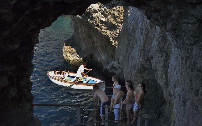 Kék-barlang, Capri, Olaszország