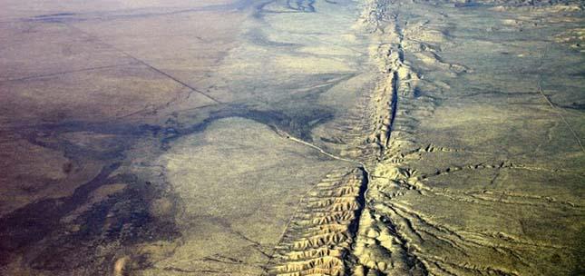 Carizzo-síkság, Szent András-törésvonal