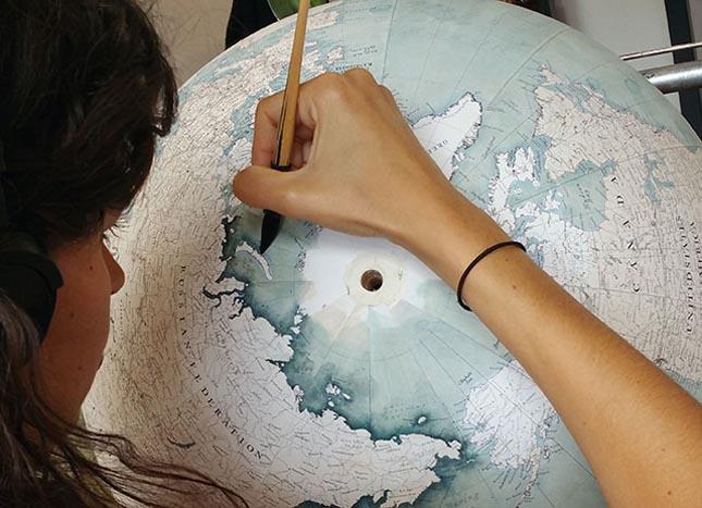 Kézzel rajzolt földgömb
